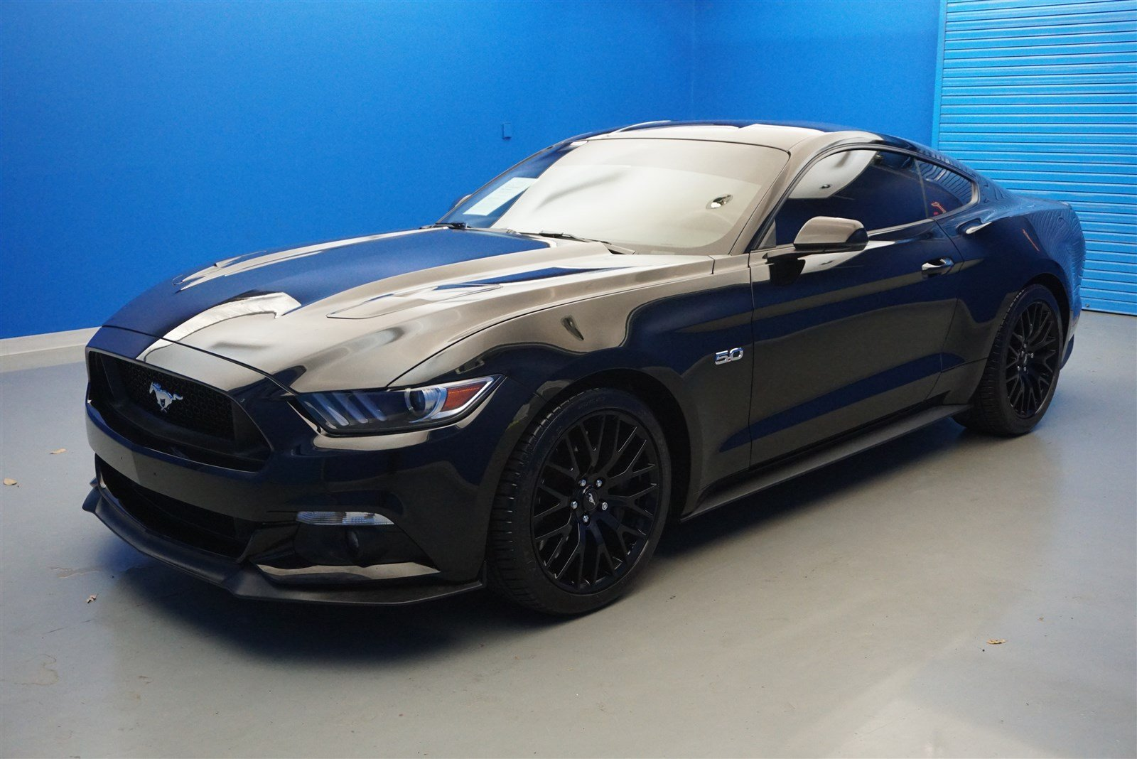 Pre owned 2016 ford mustang gt premium