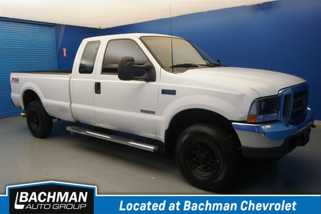 Pre-Owned 2003 Ford Super Duty F-250 XL