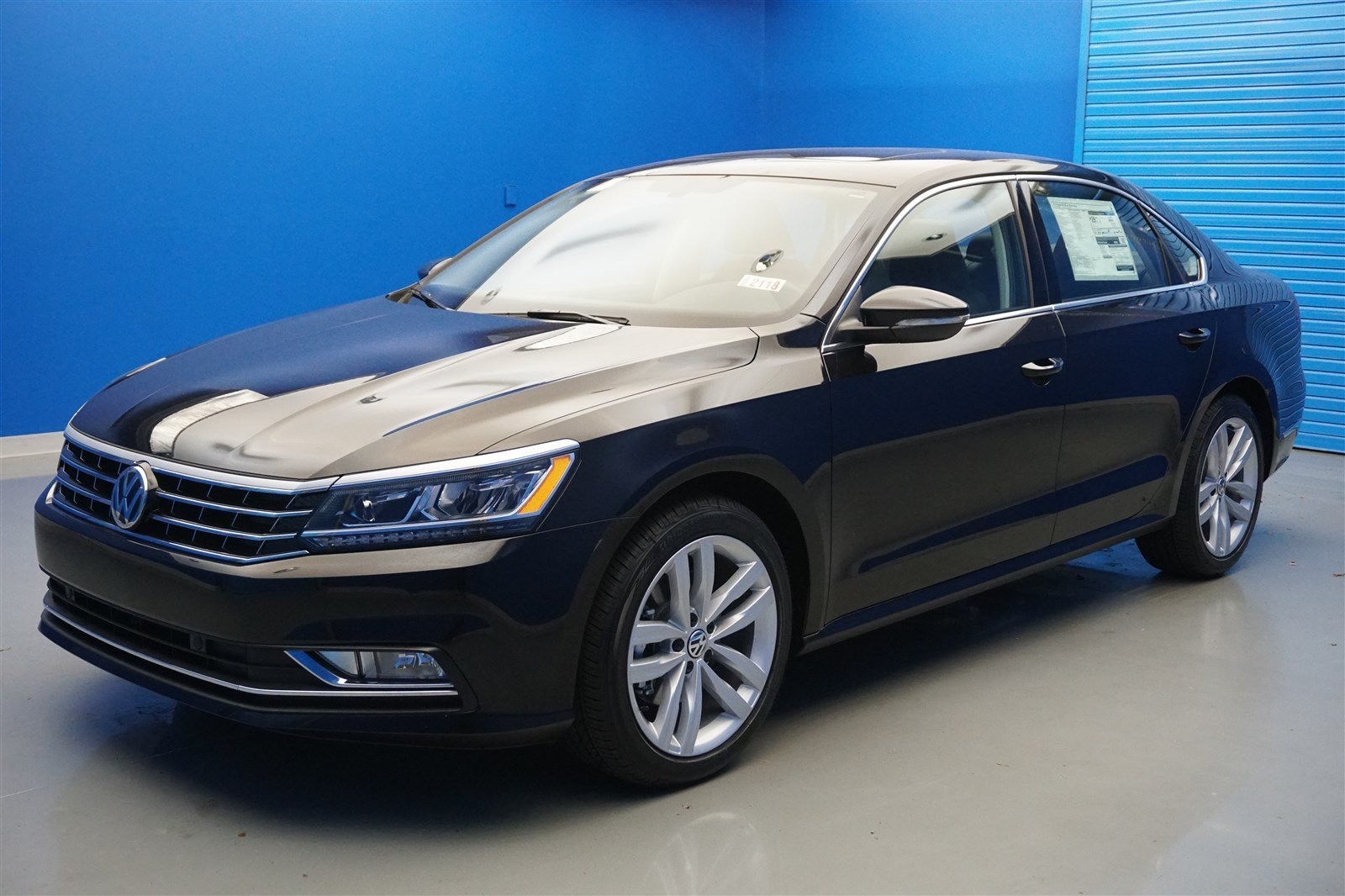new 2018 volkswagen passat 2 0t se w technology 4dr car in louisville 182118 bachman volkswagen. Black Bedroom Furniture Sets. Home Design Ideas