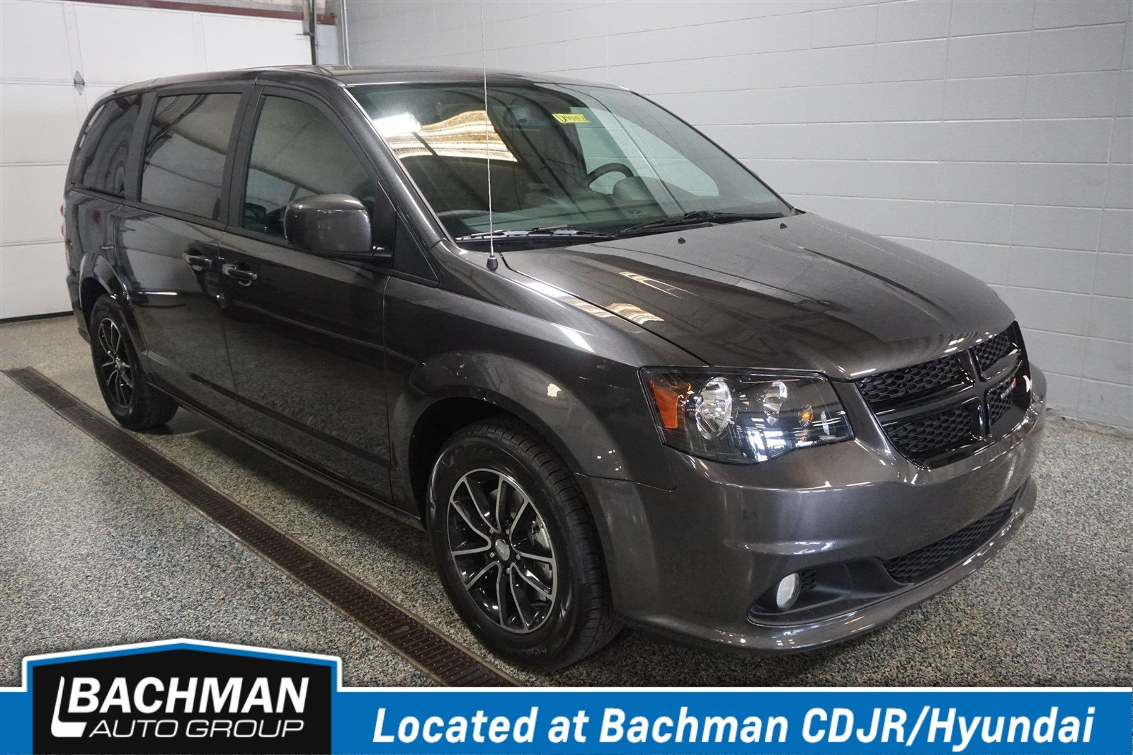 Pre-Owned 2019 Dodge Grand Caravan SE Plus