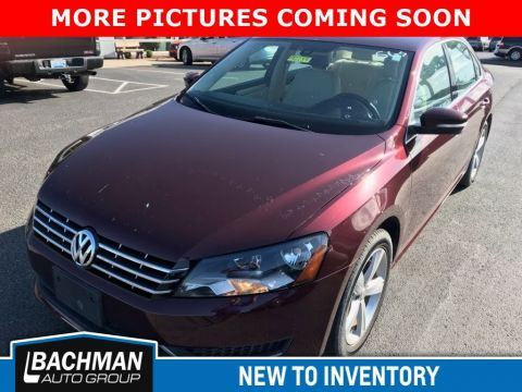 Certified Pre-Owned 2013 Volkswagen Passat TDI SE w/Sunroof